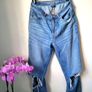 "American Eagle ""Mom"" jeans. 6 x-long"
